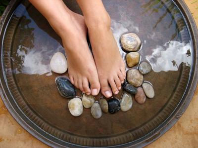Beauté des pieds femme ongles naturels